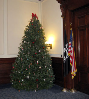 nh statehouse christmas tree